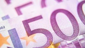 Mehrere 500-Euro-Scheine in Großaufnahme
