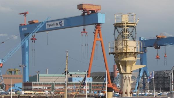 Das Bild zeigt die HDW-Werft in Kiel.