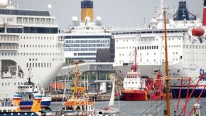 Kreuzfahrtschiffe in der Kieler Förde
