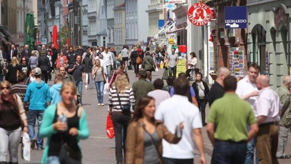 Die Fußgängerzone / Einkaufsstraße Holm in Flensburg