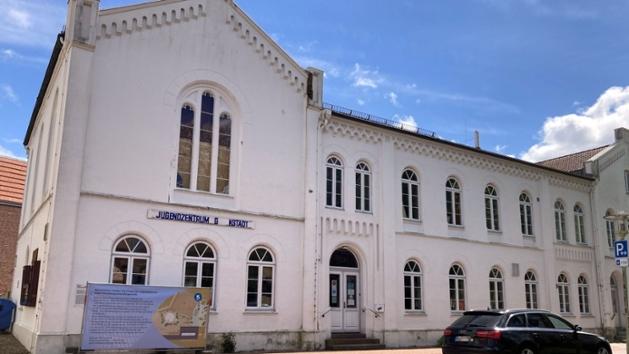 Frontansicht des Jugendzentrums Glückstadt