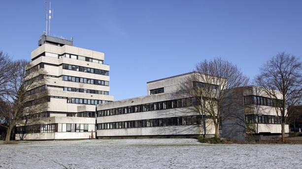 Blick auf das neue Rathaus in Ahrensburg