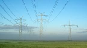 Stromleitungen bei Krempe